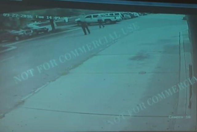 La Policía de El Cajon (California) publica el vídeo de la muerte de Olango