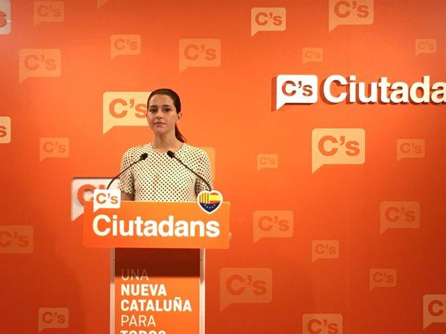 Inés Arrimadas, durante la rueda de prensa en la sede de C's.