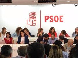 Sánchez propone que se readmitan a los 17 dimitidos y convocar otro Comité Federal