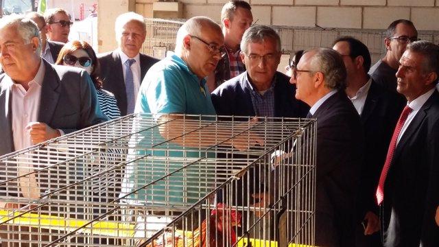 Olona en la inauguración de la Feria de Cedrillas.