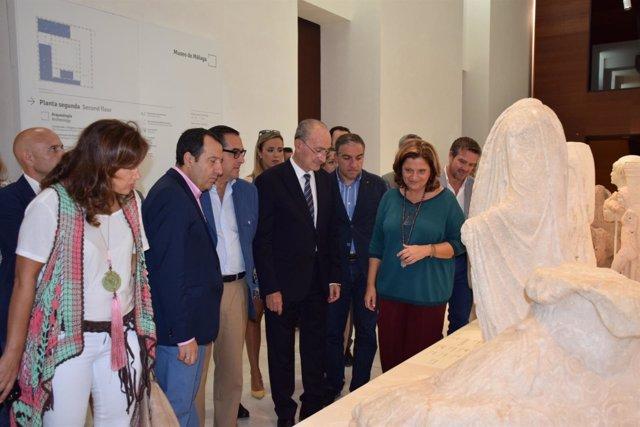 Visita de representantes institucionales al Muse de Málaga