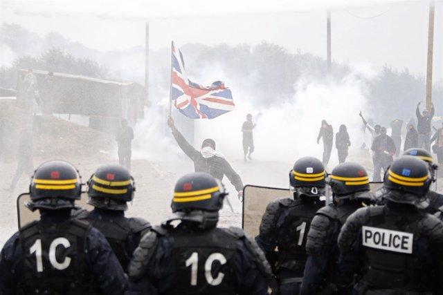Disturbios en 'La Jungla' de Calais