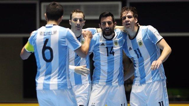 Argentina logra su primera estrella tras superar a Rusia en la final