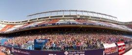El Estadio Vicente Calderón cumple 50 años rodeado de su afición