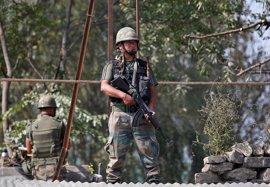Milicianos atacan una base militar india en el norte de Cachemira