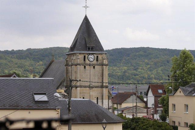 Iglesia de Saint-Etienne-du-Rouvray (Normandía), atacada por dos terroristas