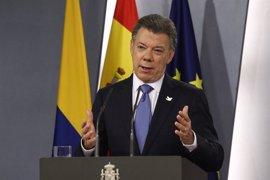 """Santos afirma que seguirá """"buscando la paz"""" y recalca que el alto el fuego sigue vigente"""