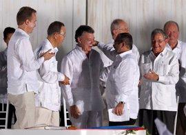 """Las FARC recalcan que usarán """"solamente la palabra como arma de construcción"""""""