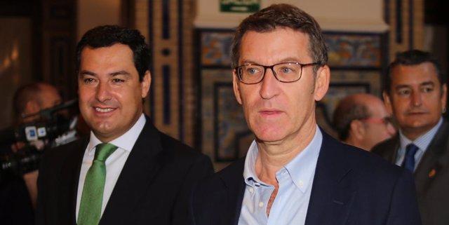 Juanma Moreno y Alberto Núñez Feijóo llegan a un desayuno informativo en Sevilla
