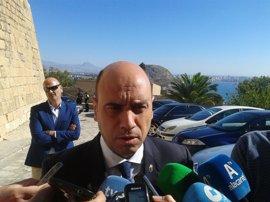 El alcalde de Alicante pedirá expulsar a socialistas que respalden un Gobierno de Rajoy