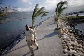 Crece la amenaza en Haití ante la llegada del huracán Matthew