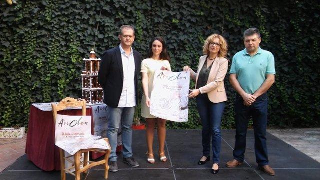 Gómez (izda.) y Ruz presentan 'Ars Olea'