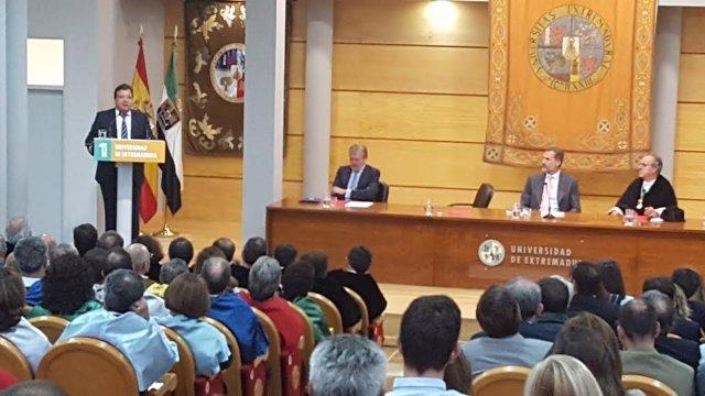Fernández Vara en la inauguración del Curso Universitario en Cáceres