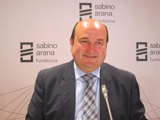Andoni Ortuzar