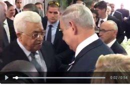 Saludo de Abbas y Netanyahu en el funeral de Peres