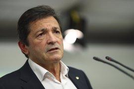 Javier Fernández se explicará hoy ante los diputados y senadores del PSOE
