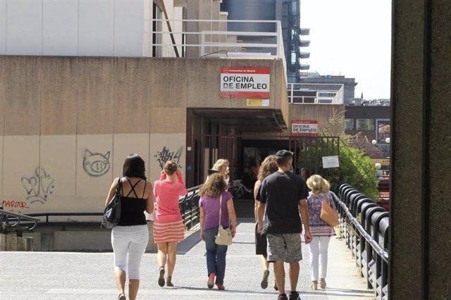 El paro sube en galicia en personas en septiembre for Oficinas inem coruna