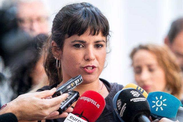 Teresa Rodríguez (Podemos) atiende a los medios en el Parlamento andaluz