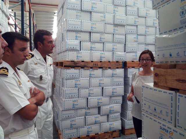 Visita al centro logístico internacional de Cruz Roja