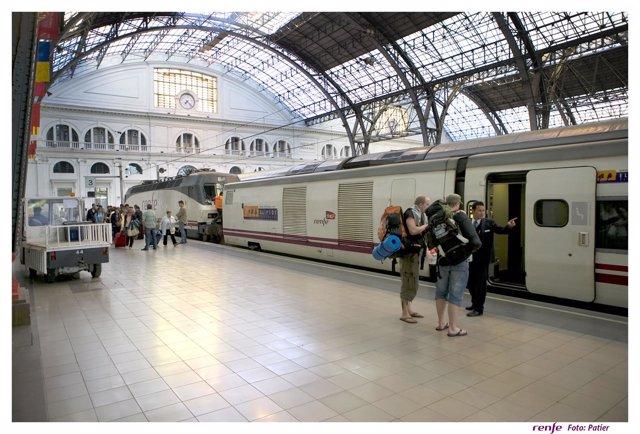 Uno De Los Trenes Del Interrail Estacionado