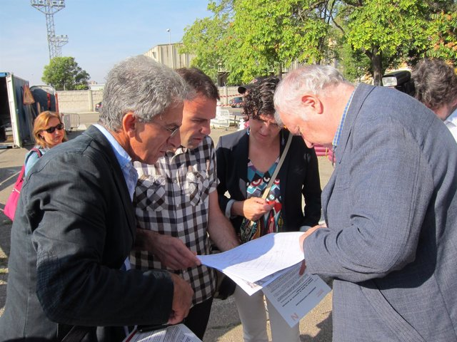 El consejero nmunicpal de Urbanismo, Pablo Muñoz, y concejal PSOE, Lola Ranera