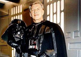 Darth Vader se retira de la vida pública