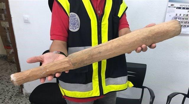 El bate tallado a mano
