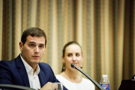 Albert Rivera avisa a Rajoy de que es el PSOE el que tendrá que ponerle condiciones