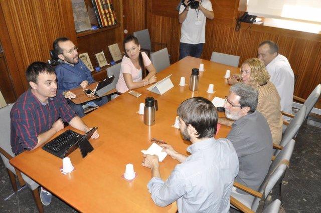 Reunión de IU y Podemos