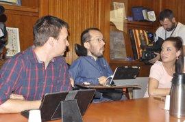 """Echenique (Podemos) rechaza el """"cambio de cromos"""" y dice que Lambán tiene """"un papel protag"""