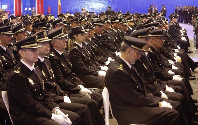 Imágenes de las policías durante el acto