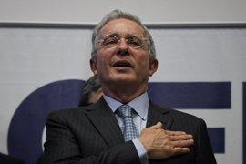 Uribe se muestra dispuesto a reunirse con Santos para resucitar el proceso de paz