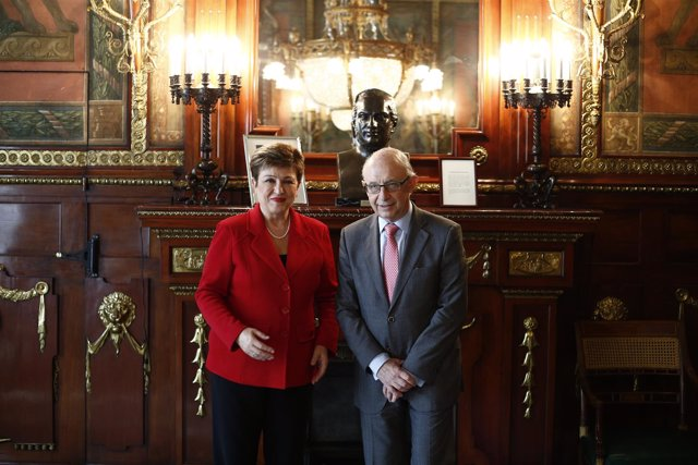 Cristóbal Montoro recibe a la vicepresidenta de la Comisión Europea Kristalina