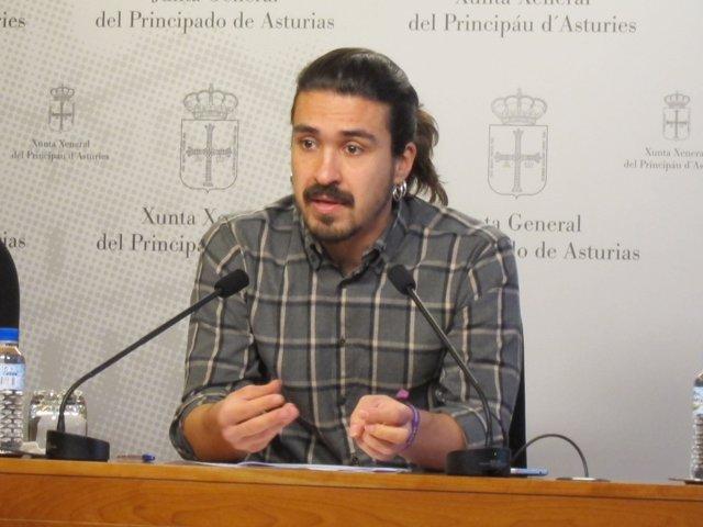 Andrés Ron.