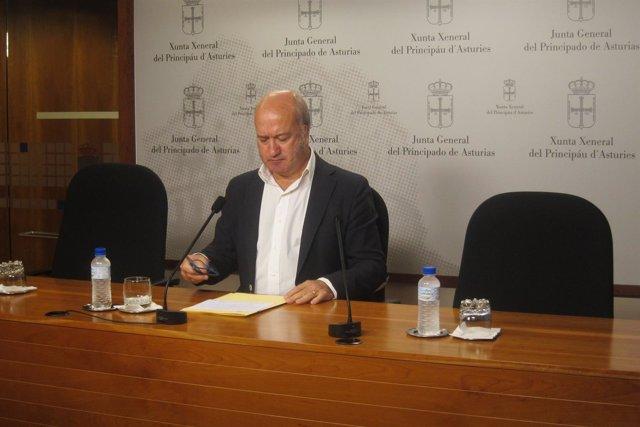 El Portavoz De Agroganadería En La Junta General Del PP, Luis Venta.