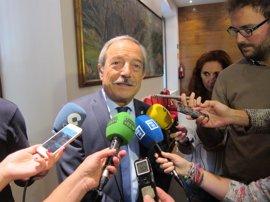 Alcalde de Oviedo (PSOE) cree que debería preguntarse a la militancia sobre una posible abstención