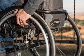 """Cocemfe CV censura la """"falta de sensibilidad"""" de las compañías aéreas en dos casos de pasajeros con discapacidad"""