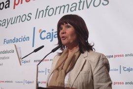 La expresidenta del PSOE dice que decidirán el voto cuando Rajoy aclare si hay investidura