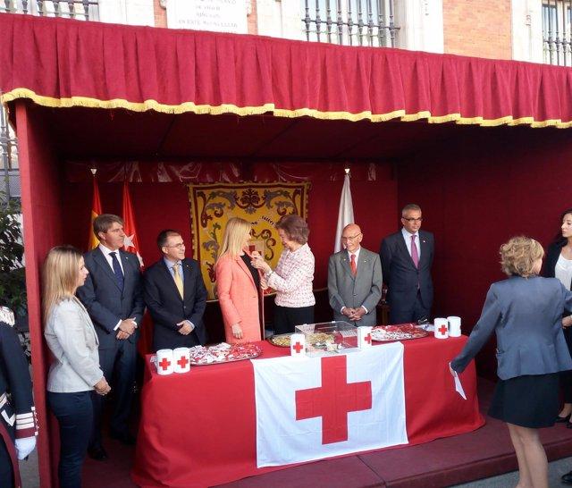 La Reina doña Sofía y Cifunetes en el 'Día de la Banderita'