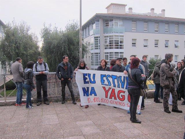 Concentración contra el proceso a 12 personas por okupar la Sala Yago