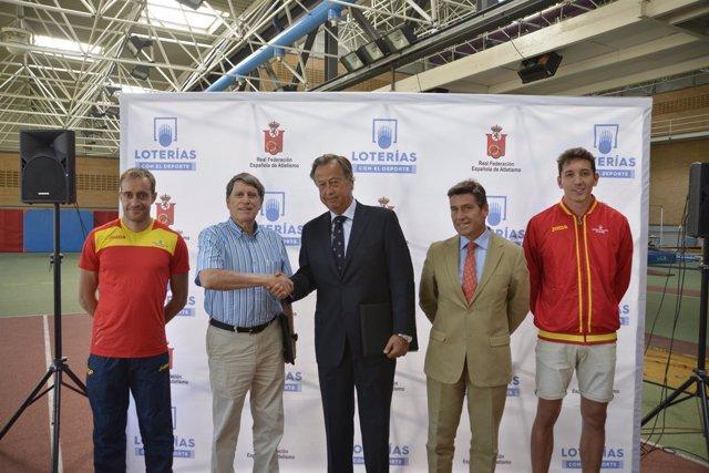 Firma del acuerdo de colaboración entre loterías y la RFEA