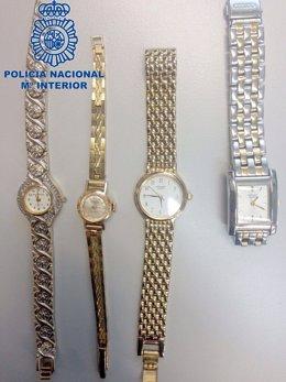 Imagen de los relojes intervenidos