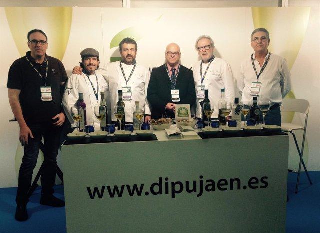 Fernández, junto a la delegación de Eurotoques, en San Sebastián Gastronómika.