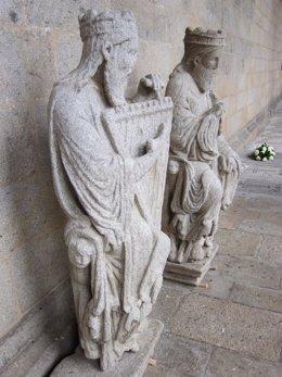 Dos de las esculturas del Maestro Mateo que se expondrán en el Museo del Prado
