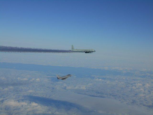 Un Eurofighter español intercepta un avión ruso en el espacio aéreo báltico