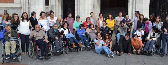 Participantes en la Flash Movie en la Plaza Mayor