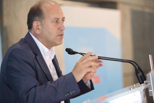Xoaquín Fernández Leiceaga en un acto en Ourense.