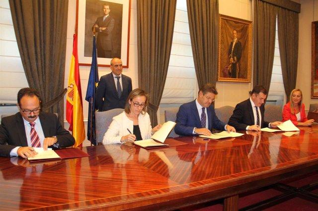 Firma del convenio para el enlace de la AP-9 con la Cidade da Cultura