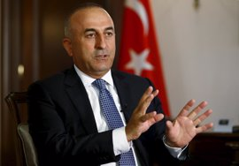 Cavusoglu asegura que Irak conocía la existencia del campamento Bashiqa