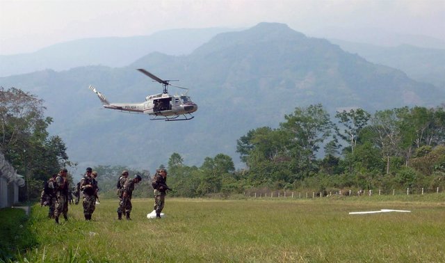 Policía peruana antinarcóticos